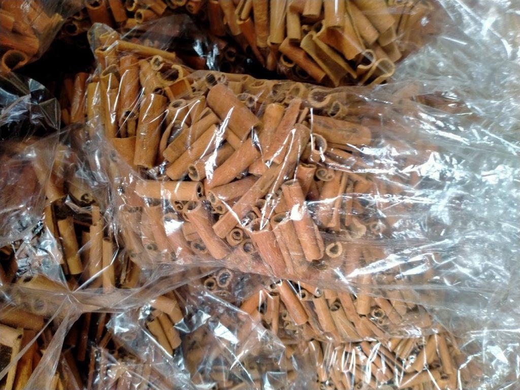 Cinnamon stick 2